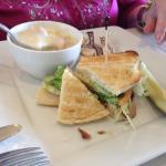 Foto de Cloud 9 Restaurant at the Senator Inn & Spa