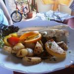 Špargľa s opekanými zemiakmi,obloženie...