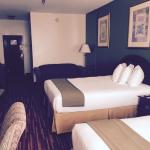 2 Queen Suite with Pull-Out Sofa and Coffee Table