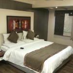 Club room King size bed