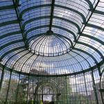 prachtige constructie van glas en metaal