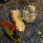 Figs in cream, Cheese cake, Pistachio tart