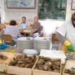 habriendo ostras