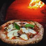 Traditional Napolitan Pizza