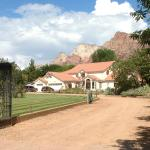 Front Entrance to Zion Canyon Bed & Breakfast.