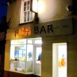 Seaton's Fish Bar - 4 Queen Street, Seaton (29/Oct/15).
