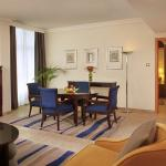 One Bedroom Suite Living Room (Beach Rotana Suites