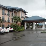 Photo de Tradewinds Hotel