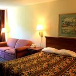 Relax Inn Monroe