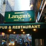 Foto de Langan's Bar & Restaurant
