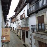 Calle de la Posada de Candelario vista desde una habitación