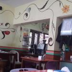 Freshly 'n' Hot Cafe의 사진