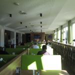 Зал-столовая