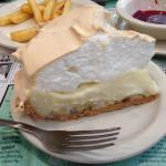 Very nice piece of banana creme pie... I wish I could have stayed longer and tried a few other t