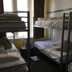 L'hygiène et la propreté ne sont pas à la hauteur et pour les lits superposés, pas d'échelle pou