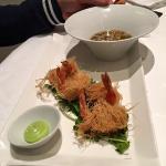 Gambas royales croustillantes et bouillon thaï