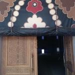 ahşap oymalı kapı