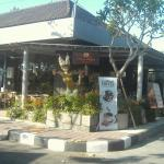 Gloria Jeans Tanah Lot