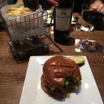 Foto de Delux Burger Bar