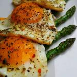 Semi hard eggs with grilled asparagus