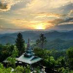 Mae Hong Son Mountain Wat Photo
