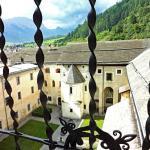 Aussicht aus einemKlosterfenster auf das Münstertal