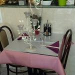 Petite table  joliment décorées pour les gagnants  de la loterie ; )