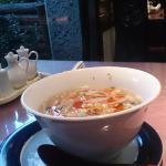 酸辣湯麺と半チャーハン