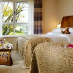 Killyhevlin Lakeside Hotel and Chalets bedroom with two five foot beds