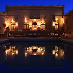 Pool / Restaurant