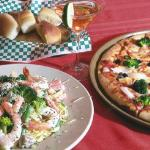 Delicious Pizza, Pasta and Seafood