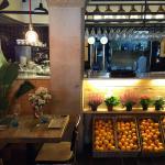 Barra i taula Santamasa Sarrià