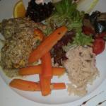 Cuisse de porc à la broche, île flottante, poulet sauce duxelle