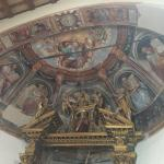 affreschi all'interno