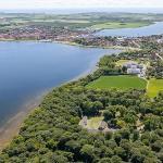 Danhostel Skælskør placeret midt i skoven. Tæt på vandet og idyllisk by.