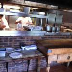Vue des cuisines depuis salle 2