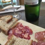 Ragfijne charcuterie met foie gras en Pécharmant, tartines met pompoen en pittige Indiase tonijn