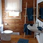 sehr sauberes Bad mit allem was man braucht