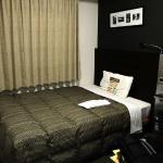 シングルルームにしては大きめのベッド