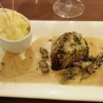 Filet de boeuf, sauce vin jaune d'Arbois et morilles