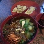 Rindfleischnudeln und Maultaschen (牛肉面,饺子)