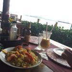 Comida deliciosa pornum preçi justo com uma vista linda em ilhabela