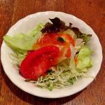 ランチサラダ、トマトドレッシングが絶妙
