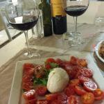 Salade Caprese Mozzarella Di Buffala