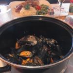 moules marinières, veau au bolet avec tranche de jambon, risotto