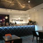 Clean modern ambiance at C'ChoColat