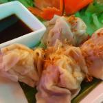 Raviolis aux crevettes et poulet à la vapeur