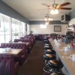 Comfortable Diner atmoshere at Randy's Southside Diner