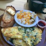 Spinach omelette with hominy!