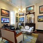 Lafitte Fine Art Gallery is the perfect place to enjoy a cocktail before a great night out.